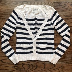 AMERICAN EAGLE 🦅 Knitted Cardigan